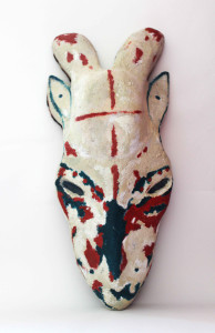 Masque bélier peint